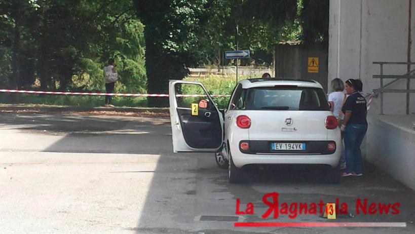 Lucca - Aggredidata è data alle fiamme una barelliera : fermato…