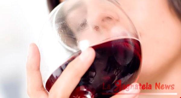 Mal di testa da vino: da cosa è provocato