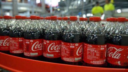 Coca-Cola ritirate migliaia di bottiglie: il lotto interessato